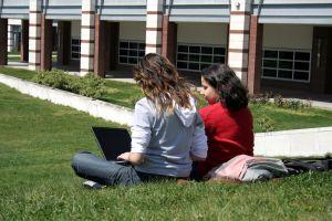 Praca za granicą a rozlizcenie PIT studenta